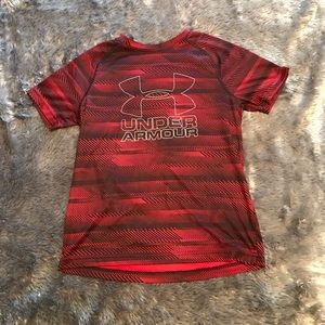 Comfortable youth Under Armour tee